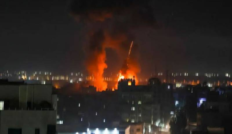 Israel strikes Hamas sites in Gaza over fire balloons, first since May ceasefire