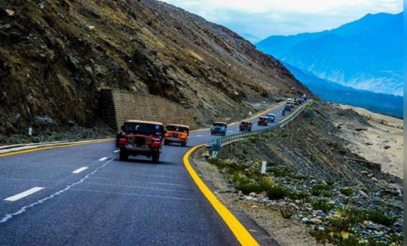 Karakoram Highway cleared for all kinds of traffic: ISPR
