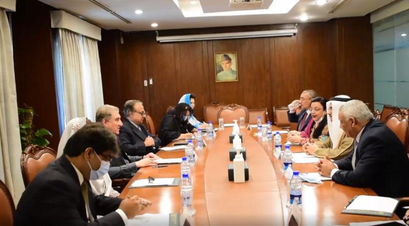 Dialogue is only way for durable political settlement of conflicts: FM Qureshi