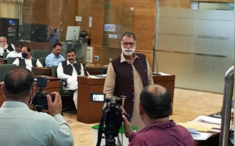 Abdul Qayyum Niazi of PTI elected AJK's new prime minister