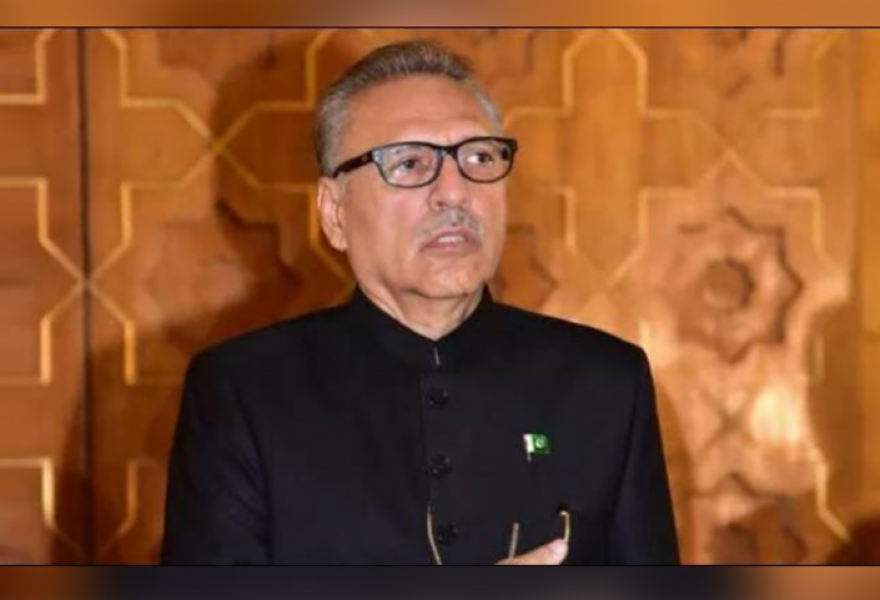 President Arif Alvi confers awards on officers, soldiers of armed forces