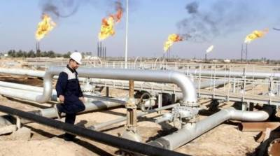 Non-OPEC oil states agree to first global cut in fifteen years