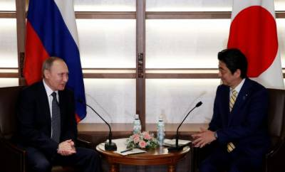 Abe, Putin head into 2nd day two of negotiations