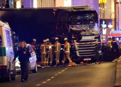 12 people killed as Truck crashes into Berlin Christmas market