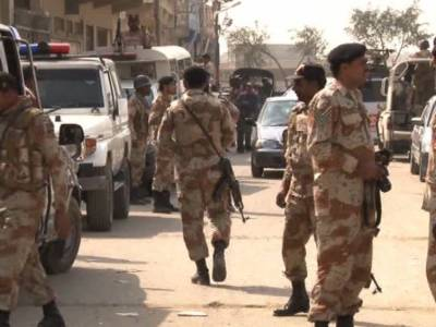 Sindh Rangers raid offices of Zardari's close aide, recover weapons
