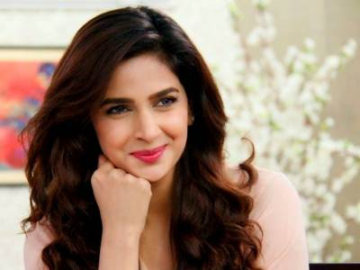 "Saba Qamar adorable looks in ""Hindi Medium"" unveiled"