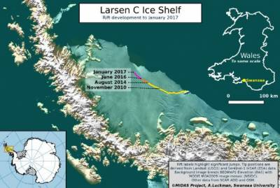 A breaking iceberg from Antarctic shelf poses a serious climatic threat