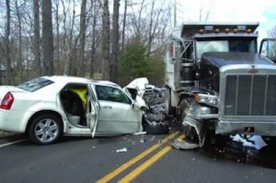 Sohawa: 11 killed, many injured as truck crushes car