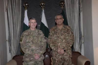 US Forces Commander Gen. Nicholson meets Pak Army Chief Gen. Qamar