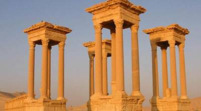 Daesh destroys historical monument in Syria's Palmyra