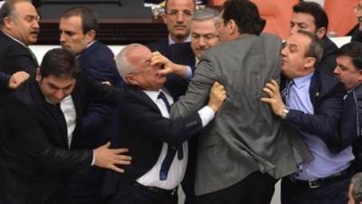 Turkish MPs hurt in brawl over presidential system