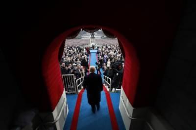 President Trump still sees himself as leading an insurgency