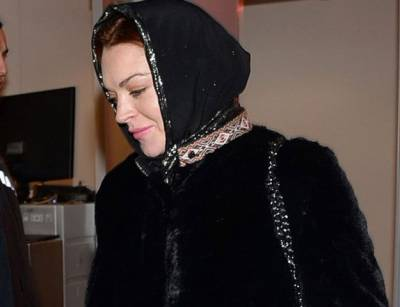 Lindsay Lohan fuelled speculation after spotted wearing hijab