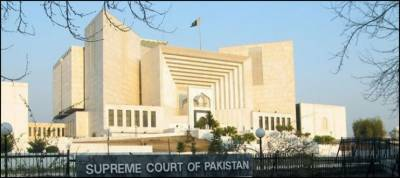 Panamagate Case: SC adjourns hearing till Monday due to Justice Azmat Saeed's ailment