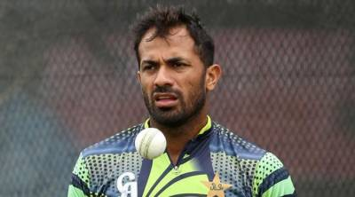 Wahab Riaz reaches hometown for father's funeral