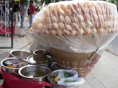 Vendor held for mixing toilet cleaner in 'Gol gappa' water