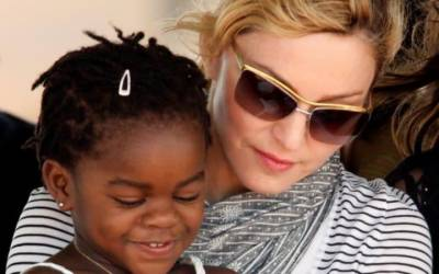 Madonna gets permission to adopt twins from Malawi