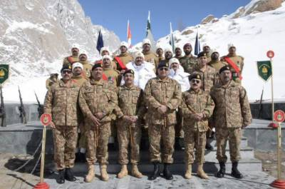 Army chief warns external enemies despite internal challenges