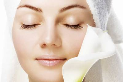 Almond Oil And Lemon: Magic serum for beauty