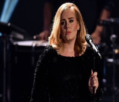 Adele stops performance after fan suffers cardiac arrest