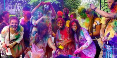 Hindu community celebrates 'Holi' across Pakistan