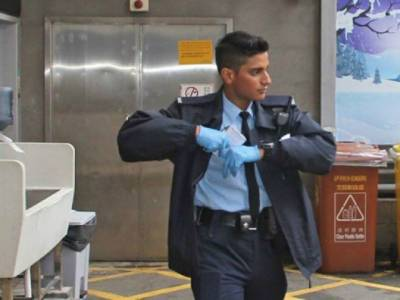Pakistani policeman becomes Hong Kong hero