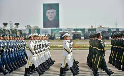 Full dress rehearsal by Chinese troops for 23 March Pakistan day parade