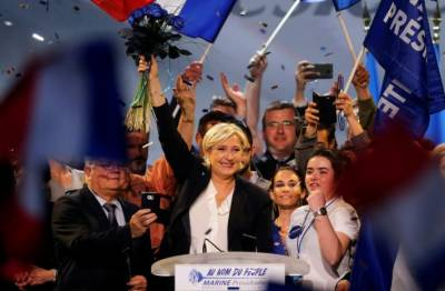 Euro is a 'knife in the ribs' of the French: Le Pen