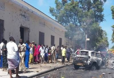 3 soldiers injured in explosion outside Somalian military base