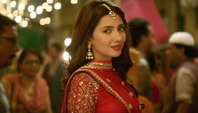 Mahira beats Indian top actress to become top grossing actor in 2017
