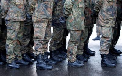 German army investigates soldiers over 'Heil Hitler', Nazi salute cases