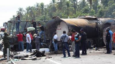 24 passengers killed in bus-fuel tanker collision