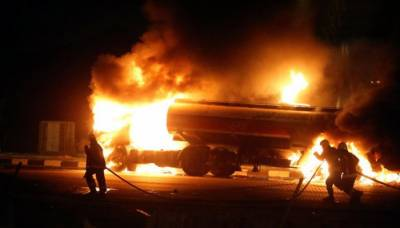 One person burns to death in massive oil tanker fire on Makkah-Jeddah highway