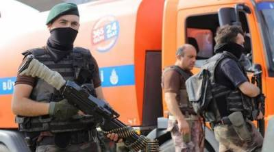 Turkey arrests 1,000 'secret imams' in police operation