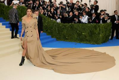 Met Gala 2017: Priyanka Chopra's appearance in world's longest trench coat (Pics)