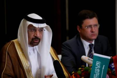 Saudi, Russia agree oil production cuts until March 2018