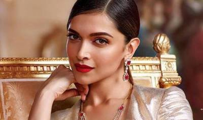 Deepika gives surprise to family