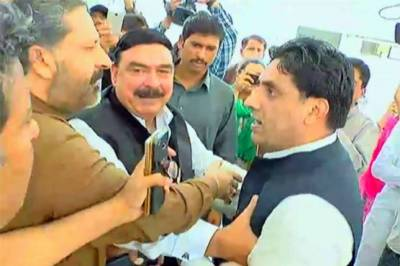 PML-N worker accuses Sheikh Rasheed for not paying borrowing money