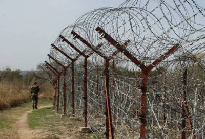 Indian unprovoked firing along LoC leaves 2 civilians martyred: ISPR