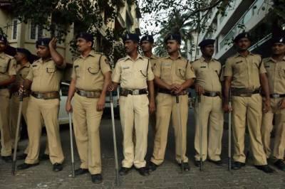 India arrest 20 for celebrating Pakistan's trophy