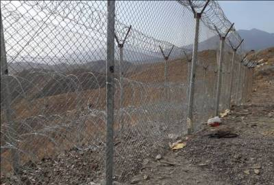 Pak army announces fencing along Afghan border