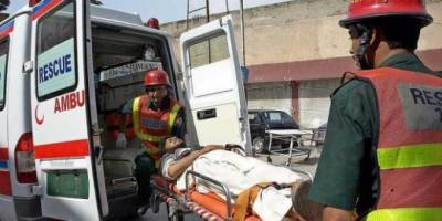 At least 5 dead in car- trailer collision in sheikhupura