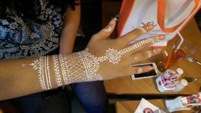 Is white mehndi to replace green mehndi in near future?