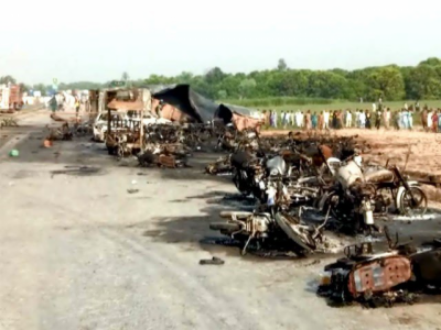Bahawalpur: 132 burnt to death, 100 injured in oil tanker fire