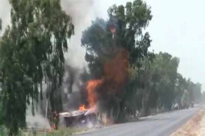Fire engulfs chemical tanker after overturning in Nawabshah