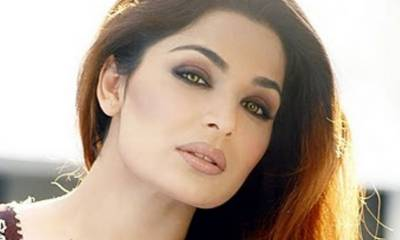 Meera plans to invite Nawaz Sharif, Bilawal on wedding but not Imran Khan