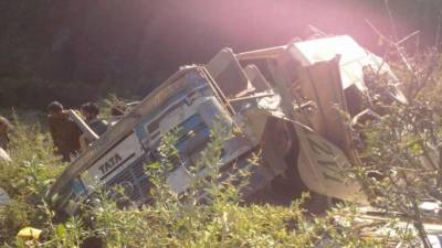 Bus overturned in Hyderabad leaving 6 killed, 30 injured