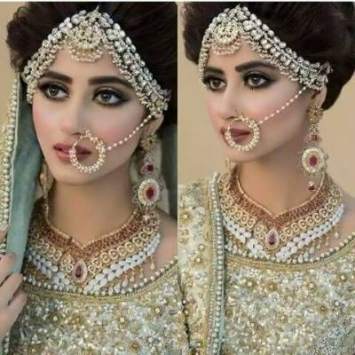 Sajal Ali mesmerizes with her pretty doll looks