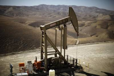 Oil prices rising in U.S. crude inventories, high OPEC supplies