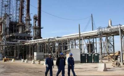 Crude oil extends gains as Saudi pledges export curbs